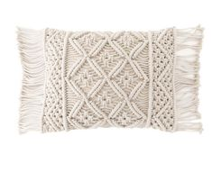 x Jala Macrame Decorative Pillow Knotty by nature! Add a touch of nautical texture to a bed or sofa with our macrame pillow, in natural cotton cord. Diy Pillow Covers, Diy Pillows, Decorative Pillow Covers, Throw Pillows, Lumbar Pillow, Duvet Covers, Cushions, Macrame Art, Macrame Design
