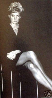 Rare photos of Princess Diana - Princess Diana Rare, Princess Diana Pictures, Princess Of Wales, Kate Middleton, Diana Fashion, English Royalty, Diane, Lady Diana Spencer, Queen Of Hearts