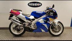 Suzuki RGV 250 Street Bikes, Cool Bikes, Cars And Motorcycles, Cycling, Biking, Vehicles, Passion, Gallery, Board
