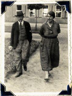 Stefa Wilczyńska z Januszem Korczakiem, 1936 r.