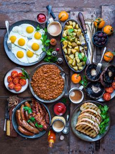 A Big Breakfast is a truly magical thing. There's just nothing quite like waking up late on the weekend and tucking into a big, hearty breakfast with friends and family. Total perfection! And if yo…
