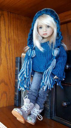 Dianna Effner manita querida muñeca de punto suéter y sombrero