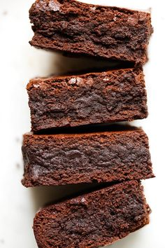 Starbucks Copycat Espresso Brownies - made with real ground espresso beans! These brownies are sooo fudgy!