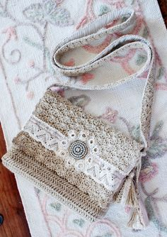 Crocheted bag - shabby chic style