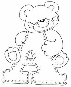 Aprender as letras do alfabeto em moldes com ursinhos é uma maneira muito simpática de introduzir as letras do alfabeto às crianças.
