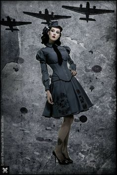 A lot of people ask me about dieselpunk fashion. What does it look like? Where do I find it? How can I dress like a dieselpunk? Moda Steampunk, Steampunk Costume, Steampunk Fashion, Gothic Steampunk, Steampunk Clothing, Neo Victorian, Victorian Fashion, Gothic Fashion, Retro Fashion