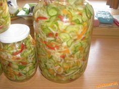 Zeleninu očistíme,nakrájame,nastrúhame,pridáme,soľ,cukor,ocot a Borken.Premiešame a necháme postáť a... Pickling, Frozen, Cooking, Chow Chow, Kitchen, Pickle, Brewing, Cuisine, Cook