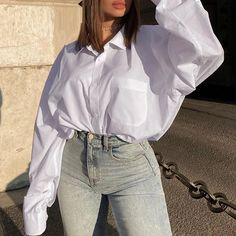 Elegant Casual button cotton comfortable shirt #Blouses #Shirts #Tops #spring2021 #fashion #summer #Likeforlike #comment #followforfollow Casual Dress Outfits, Cute Fall Outfits, Summer Outfits, White Shirts Women, White Women, Loose Shirts, Look Fashion, Fashion Styles, Winter Fashion