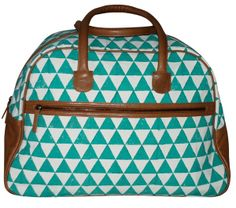 Pyramid Weekender Bag from Rising Tide Fair Trade, my boyfriends sister Sam would love this print and color combo! #FairTuesdayGifts