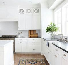 Supreme Kitchen Remodeling Choosing Your New Kitchen Countertops Ideas. Mind Blowing Kitchen Remodeling Choosing Your New Kitchen Countertops Ideas. Kitchen Rug, White Kitchen Cabinets, New Kitchen, Kitchen Interior, Kitchen Decor, Upper Cabinets, Kitchen Ideas, Dark Cabinets, Kitchen Modern
