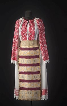 Romania People, Traditional Dresses, Hand Embroidery, Costumes, Blouse, Celtic, Fashion, Journals, Moda