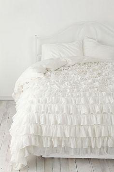 Peaceful-White-Bedroom-Designs_46