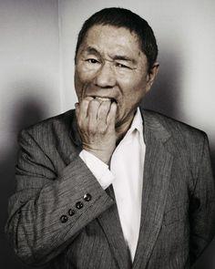 10 filmes para conhecer o cinema asiático. Imagem do filme Takeshi Kitano. Scarlett Johansson, Takeshi Kitano, Annie, Japanese Film, Big Men, Film Director, Famous Faces, Film Movie, Good Movies