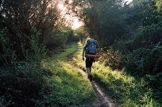 Mochileiro na trilha | Backpacker on the trail