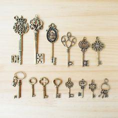 ハンドメイドマーケット+minne(ミンネ)|+Vintage+Charm+Antique+Key/+ビンテージチャーム、鍵+K-1