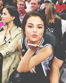 Selena Gomez sits court side at the Lakers vs. Spurs game. February 6, 2016.