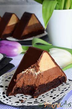 Prajitura Fagaras cu ciocolata si ness by Simona Callas No Salt Recipes, Cake Recipes, Dessert Recipes, Desserts, Mousse, Eat Pray Love, Something Sweet, Nutella, Bacon