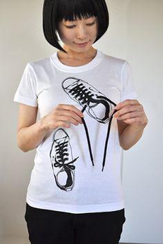 notofusai t-shirt www.t-shirt-mit-druck. T Shirt Diy, My T Shirt, Sweater Shirt, Boys Shirts, Cool T Shirts, T Shirts For Women, T Shirt Painting, Painted Clothes, Diy Clothes