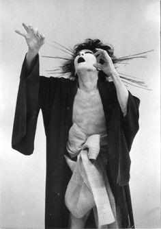 Tatsumi Hijikata (土方 巽, Hijikata Tatsumi, March 9, 1928 - January 21, 1986) was a Japanese choreographer, and the founder of a genre of dance performance art called Butoh. S)