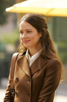 Amy Acker life style and body measurement Amy Acker, Top Celebrities, Celebs, Root And Shaw, Sarah Shahi, Person Of Interest, Buffy, Female Characters, Celebrity Crush