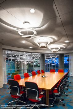 Nice light and shadow effects with these three #Pirce suspensions in this meeting room ► http://bit.ly/Pirce-S #design Giuseppe Maurizio Scutellà And plenty #Kao suspensions in the back, by Bruno Houssin ► http://bit.ly/Kao_S