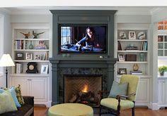 tele cheminee brique manteau retro moulure blanc chaise table etagere profil