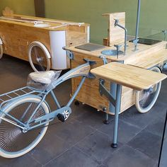 Simplesmente amamos o que fazemos. #hailux_bikesfeitasamao bikesfeitasamao #nossaarte #food #foodbike #comidaderua #feitacomamor #bikesfeitasamao #bikestagram #instabrasil #saopaulo Coffee Carts, Coffee Truck, Coffee Shop, Food Cart Design, Food Truck Design, Velo Vintage, Vintage Bicycles, Creperia Ideas, Bicycle Cart