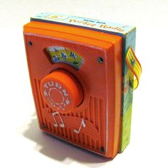 Vintage Fisher Price toy radio 1969   DO RE MI