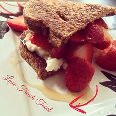 Luxe French toast! Breakfast, healthy, French toast, ricotta cheese, strawberry, fresh fruits, fitgirlsguide, healthy lifestyle!
