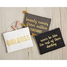 Jute carry-all case has metallic gold lettering with cute sayings. Laminated wipe clean interior and zipper closure. Perfect as an on-the-go cosmetic bag. Available colors: White- GIRLBOSS Gray- beaut