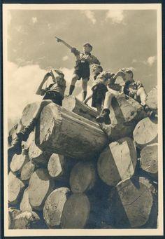 Miembros de las Hitlerjugend. Sana juventud y camaradería a flor de piel