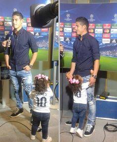 James & Salomé! James Rodriguez, Equipe Real Madrid, Making The Team, Man Alive, Cristiano Ronaldo, Football Players, Cute Babies, Guys, Jr