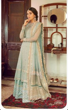 Simple Pakistani Dresses, Pakistani Party Wear, Pakistani Wedding Outfits, Pakistani Bridal Dresses, Pakistani Dress Design, Bridal Outfits, Indian Dresses, Designer Party Wear Dresses, Indian Designer Outfits