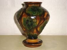 Kähler (Herman A. Kähler) vase. H: 15,5 cm D: 12 cm from about 1920s. Signed HAK. #kahler #ceramics #pottery #hak #dansk #keramik #vase #danish