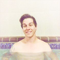 Gif - Justin Hills in a hot tub