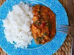 Detta är den gooodaste veganska rätt jag ätit. Ni måste prova. Thelma är den som får cred för denna, gick hem hos hela familjen. Du behöver till 4 personer: ris ( för 4 pers ) rapsolja 1 msk med röd currypasta 1 gul lök 1 stor sötpotatis 1 burk med … Läs mer Veggie Recipes, Asian Recipes, Appetizer Recipes, Vegetarian Recipes, Healthy Recipes, I Love Food, Good Food, Vegan Fish, Vegan Dinners