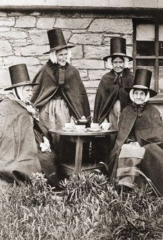 Welsh women, traditional clothes, time for tea