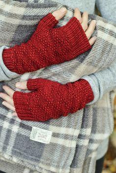"Knitting Patterns Gloves Ravelry: ""Red Flannel"" fingerless glove / mitten knitting pattern by Alicia Plummer Fingerless Gloves Knitted, Crochet Gloves, Knit Mittens, Knitting Socks, Knitted Hats, Hand Knitting, Knitting Patterns, Knit Crochet, Ravelry"