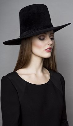 fb1b9a0a0f4 Rachel Trevor-Morgan Millinery offers a wide range of beautiful headdresses  and fascinators