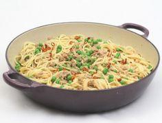 Pasta und Faschiertes ist immer eine gute Kombination. Das Rezept findet ihr auf www.ichkoche.at Tortellini, Ravioli, Curry, Pasta Noodles, Macaroni And Cheese, Pizza, Ethnic Recipes, Gnocchi, Chili