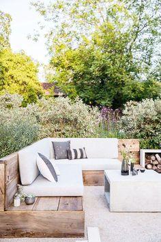 Stylish Luxury Garden Furniture Ideas To Enjoy Your Spring Backyard Backyard Seating, Small Backyard Landscaping, Backyard Patio, Backyard Ideas, Landscaping Ideas, Patio Ideas, Garden Ideas, Garden Landscaping, Balcony Ideas