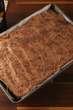Baileys Poke Cake For The Irish Cream Lover In Your Life is part of Poke cake recipes - Check out this easy recipe for the best Baileys Poke Cake from Delish com! Poke Cake Recipes, Poke Cakes, Cupcake Cakes, Dessert Recipes, Cupcakes, Layer Cakes, Chocolate Cafe, Chocolate Cake Mixes, Chocolate Curls