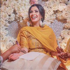Asian Bridal Dresses, Pakistani Wedding Outfits, Pakistani Wedding Dresses, Bridal Outfits, Indian Outfits, Nikkah Dress, Punjabi Wedding, Mehndi Outfit, Mehndi Dress