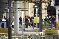 Pendukung IS Rayakan Serangan Manchester Secara Berjejaring Namun Tidak Mengklaim : Pendukung IS merayakan di media sosial mereka pada Selasa setelah ledakan pada konser di Inggris utara yang menewaskan setidak-tidaknya 19 orang meskipun kelompok ter