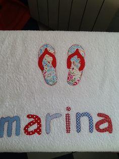 Toalla para la playa con el nombre en diferentes telas