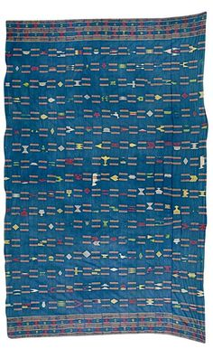 Africa | Wrapper from the Ewe people of Ghana | 1st half of the 20th century | Silk and cotton; woven in twenty-three strips, decorated with cows, birds, Ashanti stools, combs and crowns, on an indigo ground