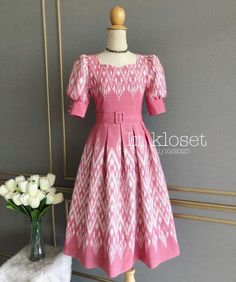 Modest Long Dresses, Short Sleeve Dresses, Dresses With Sleeves, Thai Dress, Dress Set, Frocks, Sewing Crafts, Chic, Makeup