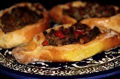 Receita turca | Veja como fazer o pide, um pãozinho típico recheado com verduras, carne ou queijo que pode ser feito em casa. Simples e gostoso