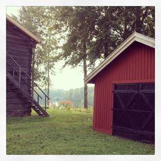 Beautiful gamla stan in Nordanå Scandinavian Design, Cabin, House Styles, Places, Beautiful, Home Decor, Decoration Home, Room Decor, Cabins