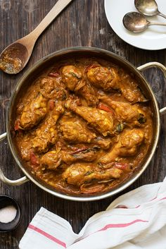 Melting soft chicken braised in creamy, thick gravy of aromatic spices, tomatoes, onions & coconut. Slightly spicy, so flavorful & addictive.